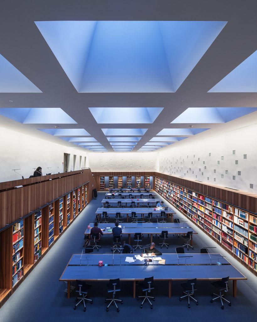 Zentralbibliothek Bern, Burgerbibliothek Münstergasse, Moos Licht AG
